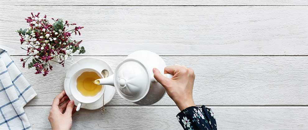 Angleži in čaj